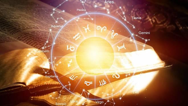 Horoskop na pátek 17. září: Býci se budou věnovat druhé polovičce, Vodnáři, nenechte se vytočit