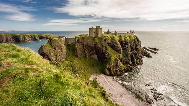 Strašidelné hrady s pohnutou historií, které stojí za návštěvu, pokud máte letos v plánu navštívit Skotsko