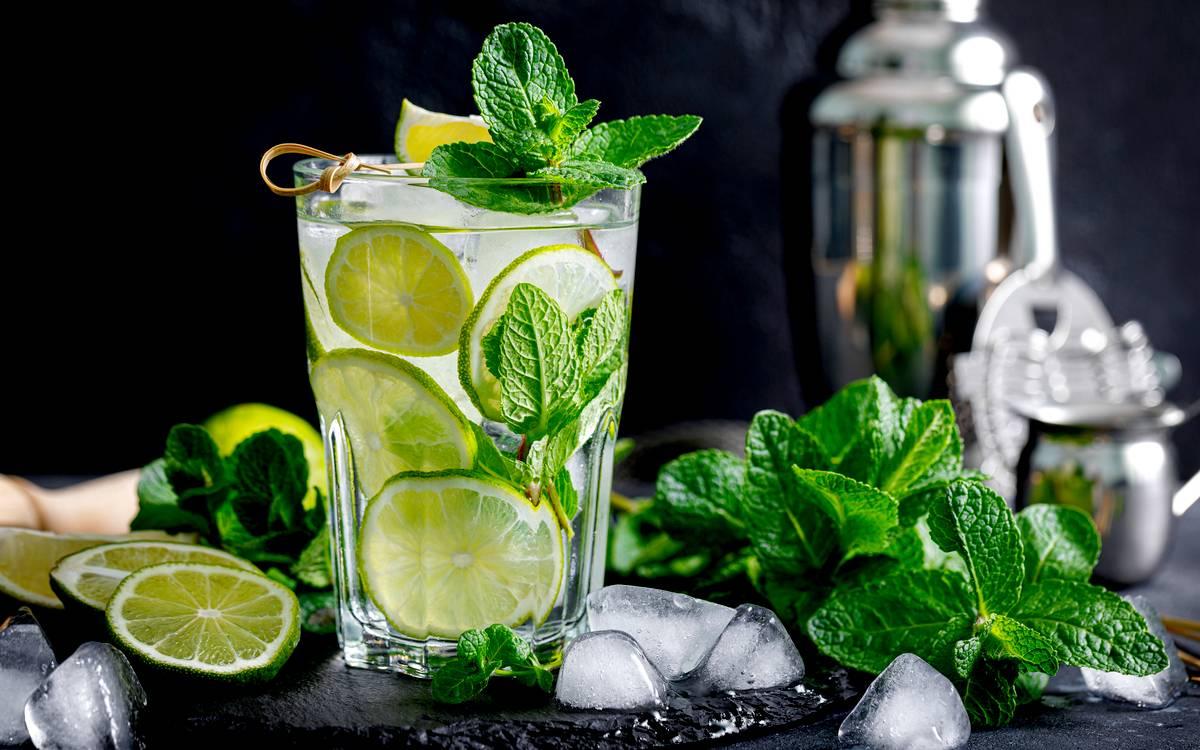 Blíží se sezóna letních drinků: Naučte se namíchat pravé kubánské mojito sami